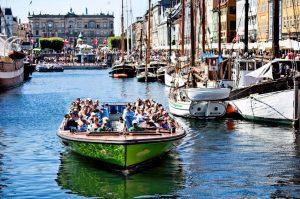 kanalrundfart i koebenhavn med stromma romantisk oplevelse