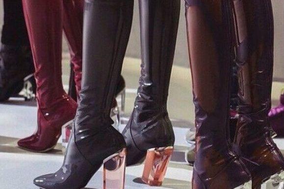 Frække sex støvler i lak og latex – Se hele udvalget her